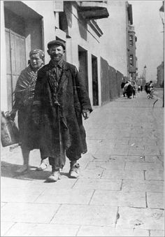 Jewish couple in the Krakow ghetto