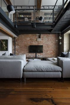39 Modern Apartment Design Ideas With Industrial Style To Try Asap - Sleek, modern and minimalist. Whilst the industrial look is best suited to converted industrial buildings such as warehouses and loft style apartments. Industrial Interior Design, Industrial Apartment, Vintage Industrial Decor, Industrial House, Industrial Interiors, Home Interior Design, Industrial Style, Industrial Lighting, Industrial Furniture