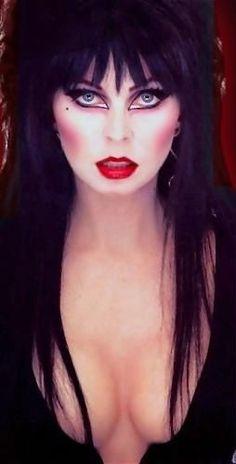 Elvira Miss Cassandra Peterson Give me some Blood from your Big Boobs Baby Doll Elvira Makeup, Cassandra Peterson, Beltane, Dark Beauty, Gothic Beauty, Cosplay, Divas, Classic Monsters, Gothic Girls