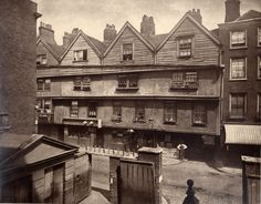 My great great Grandfather lived near here in 1807....  Gray's Inn Lane, London