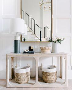 Minimalist Home Interior Organizations minimalist decor inspiration wall art. Living Room Designs, Living Spaces, Living Rooms, Living Area, Foyer Decorating, Decorating Ideas, Decorating Websites, Home Interior, Modern Interior