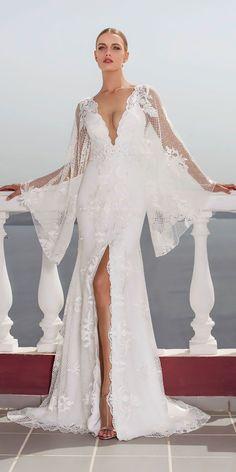 Julie Vino 2016 – Santorini Collection - Belle The Magazine V Neck Wedding Dress, Stunning Wedding Dresses, 2016 Wedding Dresses, Beautiful Gowns, Bridal Dresses, Wedding Gowns, Dresses Dresses, Dresses Online, Summer Dresses
