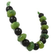 Lucite vintage necklace - Beaded black and marbled apple green - big, chunky art deco style - InVIntageHeaven