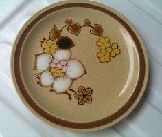 1970s Stoneware Yamaka Brown Sugar #FluidRetroHomeDecorKitchen Retro Home Decor, Home Decor Kitchen, Salad Plates, Vintage Japanese, Brown Sugar, Stoneware, 1970s, Buffet, Decorative Plates