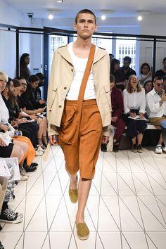 Chalayan Spring 2019 Menswear Fashion Show Collection: See the complete Chalayan Spring 2019 Menswear collection. Look 4