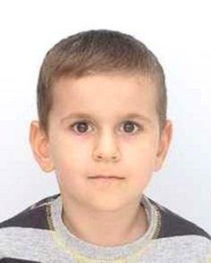 Джан е на 6 годинки и е родом от Ардино, Кърджалийско. Изчезнал е преди седмица - 24 януари, а вчера беше добавен в сайта на Интерпол. Нямаме точна информация откъде е изчезнал, но има данни, че близките му живеят в селото. Умоляваме всички да бъдат бдителни и да съобщят на полицията, ако са видели някъде това дете.