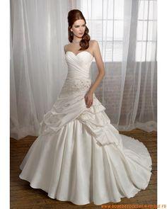 Robe de mariée longue avec broderie satin dentelle