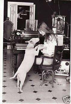 Jane Birkin with Bull Terrier Gainsbourg Birkin, Serge Gainsbourg, I Love Dogs, Puppy Love, Celebrity Dogs, Celebrity Style, Jane Birkin Style, Miniature Bull Terrier, Photo Animaliere