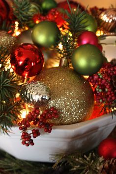 Love the lights within the ornaments--neat centerpiece !!!