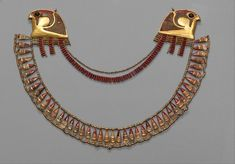 Broad Collar: Dynasty 18 Gold carnelian obsidian glass New Kingdom Dynasty 18 reign of Thutmose III ca. 14791425 B. Probably from Upper Egypt Thebes Wadi Qabbanat el-Qurud Egypt Jewelry, Old Jewelry, Antique Jewelry, Byzantine Jewelry, Jewlery, Ancient Egyptian Jewelry, Egyptian Scarab, Egyptian Pharaohs, Egypt Art