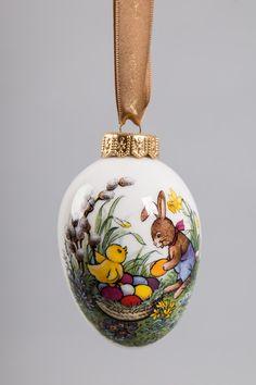 Translucent Porcelain Royalton China Co Egg Shell Art, Doll Display, Spring Design, Faux Painting, Egg Art, Printable Designs, Stone Art, Easter Crafts, Painted Rocks