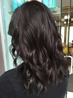 May 2019 - Naturally, it doesn't come as a surprise that chocolate brown is one of the most preferred hair colors for women. A list of 30 chocolate brown hair color ideas that have just the right amount of brio to get you inspired are here Brown Hair Shades, Brown Blonde Hair, Brown Hair With Highlights, Light Brown Hair, Brunette Hair, Dark Brown Hair Rich, Black Brown Hair, Black Dark, Hair Color Dark