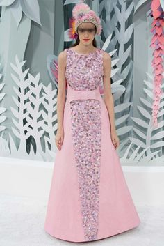 Chanel Spring 2015 Couture Fashion Show - Kremi Otashliyska (Elite)