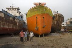 Shipyard, Belize | workers and ships in the shipyard of dhaka dhaka shipyard dhaka ...