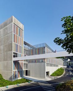 Parking_Maternity-Hospital-and-the-Oncologic-Center-of-Galicia_Diaz-y-Diaz-Arquitectos_dezeen_936_0