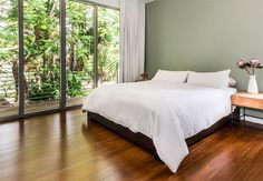 Bamboo flooring has the look of wood flooring with a wider range of styles than traditional hardwood floors. Bedroom Floor Tiles, Room Tiles, Bedroom Flooring, Timber Flooring, Hardwood Floors, Dal Tile, Wood Floor Pattern, Flooring Options, Flooring Ideas