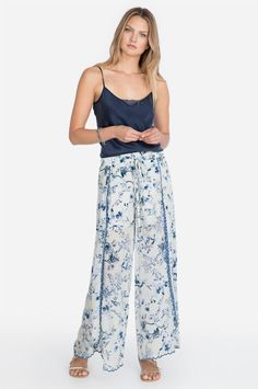 Our ultra-chic, resort-inspired Melrose Pant features a gorgeous wide-leg cut and a refreshing blue and white print. Effortlessly dress them up or down with the matching top or a simple white cami and structured blazer or bomber. Resort Style, Johnny Was, Boho Chic, Wide Leg, Legs, Elegant, Spring, Dresses, Women