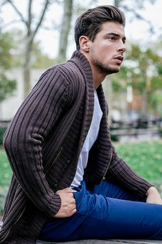 men who are Daddy af and deserve to be in your stories. Mens Fashion Sweaters, Men Sweater, Soul Artist Management, Italian Men, Handsome Boys, Gorgeous Men, Casual Chic, Autumn Winter Fashion, Denver