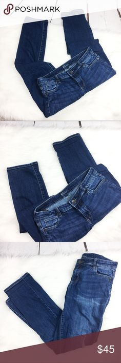Kut from the Kloth Straight Leg Jeans EUC medium wash straight leg denim jeans. Size 10, true to size. Semi distressed. Straight leg, full length. Kut from the Kloth Jeans Straight Leg