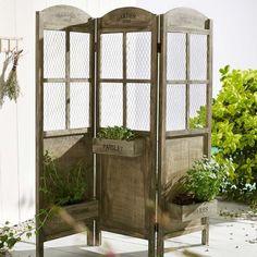 Nice En guise de paravent vous pouvez essayer le bambou ou toute plante poussant en hauteur