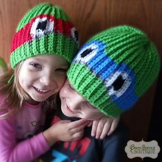 "This cool crochet hat with Turtle mask makes a great photography prop or child's dress-up hat. Warm and sturdy enough for everyday wear. Lots of stretch. Available in four colors: Red, Blue, Orange, Purple.  YARN 100% Acrylic  SIZE Newborn to 3 month - 13"" around (33 cm) 3 to 6 month - 15""..."