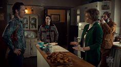 "Fargo 2x02 ""Before The Law"" - Dodd Gerhardt (Jeffrey Donovan), Floyd Gerhardt (Jean Smart), Bear Gerhardt (Angus Sampson) & Charlie Gerhardt (Allan Dobrescu)"