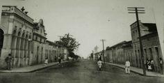 Centro da cidade de Monte Alto. Anos 30/40.  Atual Rua Nhonhô Livramento.