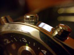 Fotografía de producto: Macro esfera de reloj realizada con lente macro y móvil WIKO