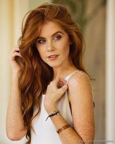 Marcia Ellen's World: Home Nudist Chicas Redhead Teen, Beautiful Red Hair, Beautiful Redhead, Beautiful Gorgeous, Ginger Head, Different Shades Of Red, Girls With Red Hair, Pale Skin, Light Brown Hair