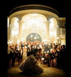 12 Romantic Wedding Photos You Absolutely Must Get (Youll Thank Us Later)�|�Bridal Guide