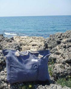 PLÁŽOVÁ TAŠKA na přání 🏖👜  Upcyklace z košile a závěsu.  #upcyklace #upcyklovanámóda #recyklator #bila #modra #pruhy #more #taska #plazovataska #eko #zerowasteczech #ostrava #ulcinj #montenegro
