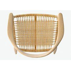 Icon chair by Hans Wegner - La boutique danoise Furniture Plans, Modern Furniture, Furniture Design, Nordic Furniture, Furniture Layout, Living Furniture, Outdoor Furniture, Hans Wegner, American Interior