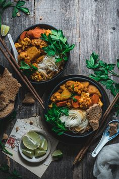 Vietnamese Recipes, Asian Recipes, Ethnic Recipes, Rustic Potatoes, Vermicelli Noodles, Curry Spices, Cauliflower Curry, Vegetable Curry, Cafe Food