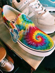 ✰V S C O:andreamejicano ✰ How To Dye Shoes, Diy Tie Dye Shoes, Tie Dye Vans, Tennis Vans, Cute Vans, Aesthetic Shoes, Converse, Painted Shoes, Dream Shoes