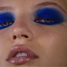 makeup blue eyes eye makeup cause red eyes makeup brushes zoeva makeup looks eye makeup remover oil free makeup allergy makeup 40 year olds makeup Makeup Primer, Makeup Kit, Makeup Inspo, Makeup Inspiration, Beauty Makeup, Makeup Hacks, Makeup Geek, Makeup Ideas, 80s Makeup