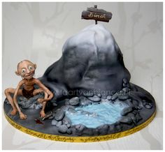 Lord of the Rings cake with Gollum made of modelling chocolate — Fantasy/Gothic/Fairytale