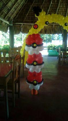 Pokemon de globos Pokemon Party Decorations, Balloon Decorations, Birthday Party Decorations, Birthday Parties, Pokemon Gengar, Pokemon Balloons, Pokemon Birthday Cake, Pokemon Craft, Bunny Birthday