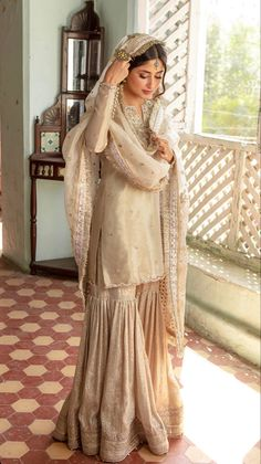 Wedding Dresses For Girls, Bridal Dresses, Girls Dresses, Pakistani Dress Design, Pakistani Outfits, Suit Fashion, Girl Fashion, Fashion Design, Iqra Aziz