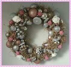 Ornament Wreath, Ornaments, Christmas Wreaths, Holiday Decor, Home Decor, Christmas Garlands, Embellishments, Home Interior Design, Decoration Home