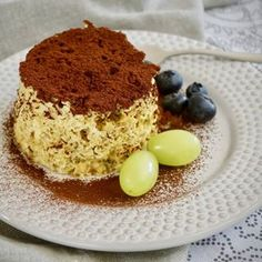 Mugcake z mikrovlnky – Snědeno. Tofu, Tiramisu, Mugs, Cake, Ethnic Recipes, Fitness, Red Peppers, Tumblers, Kuchen