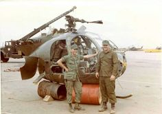 First Indochina War, Helicopter Plane, Us Navy Ships, Vietnam War, Us Army, Military Aircraft, Aviation, Survival, 1975