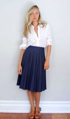 (Teacher Style) Navy blue below the knee pleated skirt - white sleeve rolled up button down top. *just button it a little higher and those cute ballet wedges would look cute with this too. Pleated Midi Skirt, Dress Skirt, Dress Up, Navy Skirt, Midi Skirts, Full Skirts, Blue Skirt Outfits, Long Skirts, Flared Skirt