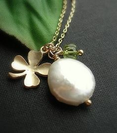 """would feel 'lucky"""" if this was around my neck on St Patrick's day:)"""