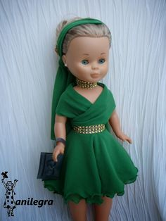 Nancy doll in green retro dress Sewing Doll Clothes, Girl Doll Clothes, Girl Dolls, Vestidos Nancy, Nancy Doll, Fancy Gowns, American Girl Crafts, Girl Costumes, Beautiful Dolls