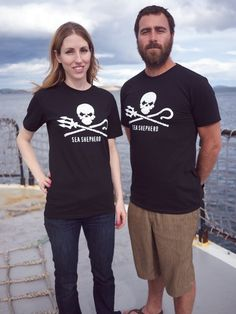 (Stop Japanese Whaling) Help support the Sea Shepherd - Sea Shepherd Jolly Roger short sleeve t-shirt - 100% Organic Cotton #160084 (As seen on Whale Wars)