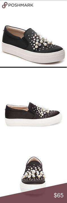 FLASH SALE! Steve Madden Glamour Black Slip On Brand New! Steve Madden Shoes