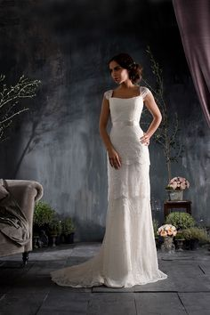 Love the shape of this Naomi Neoh wedding dress.