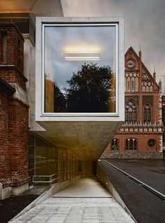LMA exhibition and lecture Hall extension at the Latvian Academy of Art by SZK architects in Riga, Latvia antiguo contemporaneo 7 / Architecture Old, Contemporary Architecture, Amazing Architecture, Architecture Details, Built Environment, Monuments, Interior And Exterior, Facade, Places