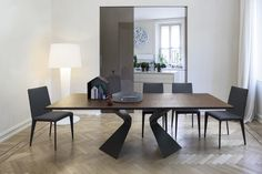 Bonaldo Prora Table and Filly Chairs Modern Kitchen Interiors, Modern Interior, Filly, Esstisch Design, Contemporary Dining Table, Modern Table, Square Dining Tables, Italian Furniture, Upholstered Dining Chairs
