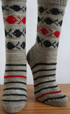 Ravelry: Mainstream pattern by Daniela Mühlbauer Crochet Socks, Knitting Socks, Hand Knitting, Knitting Patterns, Knit Crochet, Knit Socks, Rainbow Dog, Men In Heels, Mittens